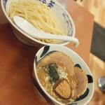 73926328 - 醤油つけ麺(830円)2017年9月