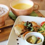 ラフィネカフェ - 料理写真:チキンランチプレート