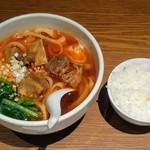 京華樓 - 牛バラ肉刀削麺とライス(ランチでは言えば貰える)