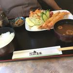 こんたく長篠 - 妻のエビフライ、定食にして1100円です。