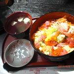 お米屋さんの寿司屋 桜 - はなやぎ丼 吸い物つきです