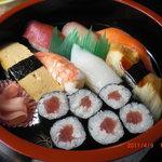 お米屋さんの寿司屋 桜 - にぎり寿司Aセット 700円