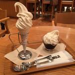 カフェ&ミール ムジ - ソフトクリーム・コーヒーゼリーパフェ