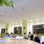 恵比寿ガーデンカフェ - みなさまグループで宴会中