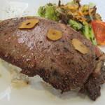 レストラン藤屋 - あか牛のステーキがドーン!です…(笑)