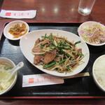 香港亭 - 料理写真:レバニラ定食 680円