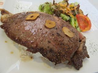 阿蘇 あか牛 レストラン藤屋 - あか牛のステーキがドーン!です…(笑)