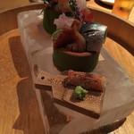 旧かつえ - 氷のお皿のお造り