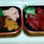 大漁丼家 - 5番寿司ネタ鮪の鉄火丼、18番カニウニイクラ丼