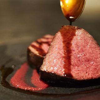 確かな技術に裏打ちされたシェフ渾身の「お肉料理」