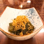 73942268 - 茄子の煮浸しにジャコ。やや乱暴な感じもするが実に江戸料理っぽい