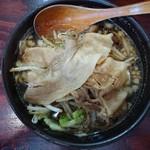 傾奇御麺 - 料理写真:大阪黒醤油らーめん680円(税抜)