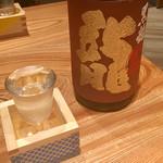 大阪うなぎ組 - 黒龍 龍 大吟醸 900円