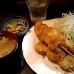 73947186 - 串カツ定食650円。