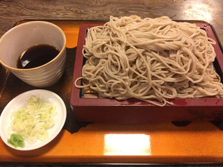 満留賀 - もり蕎麦 ¥620。 多目というより、大盛じゃん。