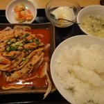 杜記 海鮮火鍋菜館 - 四川風鶏肉蒸し