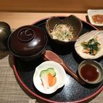 73951917 - 本日の小鉢、自家製寄せ豆腐サラダ、小鉢、季節の椀物、香の物