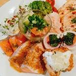 サーモンバル パーシャ - 豪華な前菜盛