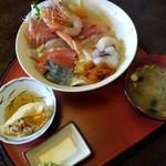 まんぷく処 まま屋 - 海鮮丼 1300円