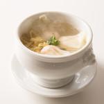 南翔饅頭店 - 上海風えびワンタンスープ