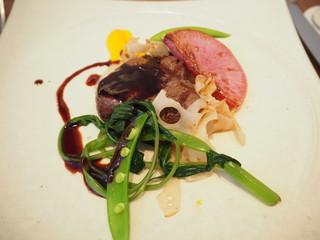ラ クープ ドール - オーストラリア産牛フィレ肉のロースト 季節の野菜添え