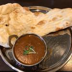 ネパールキッチンサクラ - Aランチのチキンカレーとナン