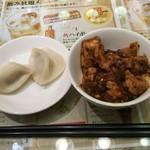 73961623 - バイキングの水餃子と麻婆豆腐