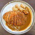 CoCo壱番屋 - 料理写真:手仕込とん勝つカレー4辛+フライドチキン
