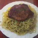 73973695 - 牛肉の薄切りステーキバターライスとスパゲティ添え(フルサイズ) 950円