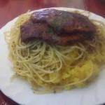 73973713 - 牛肉の薄切りステーキバターライスとスパゲティ添え(フルサイズ) 950円