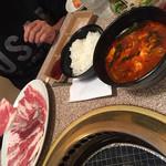 焼肉 おもに亭 西葛西店 - 満足カルビランチ定食(^∇^)