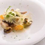 アルテリーベ - マハタのポワレ、青蜜柑と阿古屋貝のブールブラン