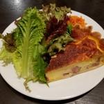 ビストロ石川亭  COREDO室町店 - 副菜:ベーコンとチーズのキッシュ