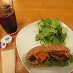 えだおね - 土、日、祝日限定サバサンド(トルコのサンドイッチ)600円