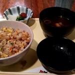 ステーキ割烹 富士 - ガーリックライス