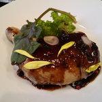 ラトリエ ドゥ ステイジュ - 若鶏のコンフィ(赤ワイン煮)