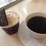 73985910 - 雪やこんこ混じりっけなしとコーヒー