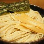 舎鈴 - 得製つけめん 960円 のつけ麺(中盛 500g)