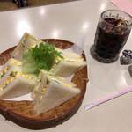喫茶サンド - 料理写真:タマゴサンドとアイスコーヒー