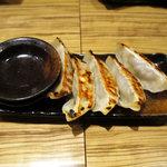 麺屋 百式 - 焼き餃子(300円)