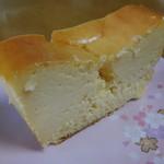 マーロウ - ベイクドチーズケーキ断面