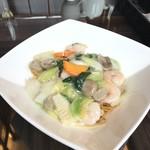 ジョーズ シャンハイ ニューヨーク - 海鮮と季節野菜のあんかけ焼きそば