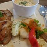Cafe LINQ - (20171001)肉料理と魚料理のコンビプレート