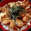 川本 - 料理写真:とり肉がフワッと柔らかい「とり丼」