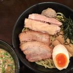 74035671 - 特製つけ麺  ¥1200。                       いつものラーメンの倍値〜3倍値だね。