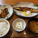 やよい軒 - 料理写真:さんまの塩焼となす味噌の定食