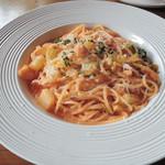 ピッコロ ピアット - シェフの気まぐれパスタ(白身魚と白菜のクリームソース)