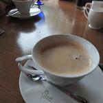 ピッコロ ピアット - わかりにくいけど、ハート型のコーヒーカップです