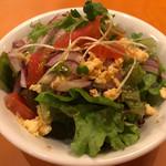 Oufuushokudoukampani - ランチのサラダ