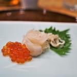 潟潟ヤ - クエの昆布締め 一味と味醂漬けイクラ